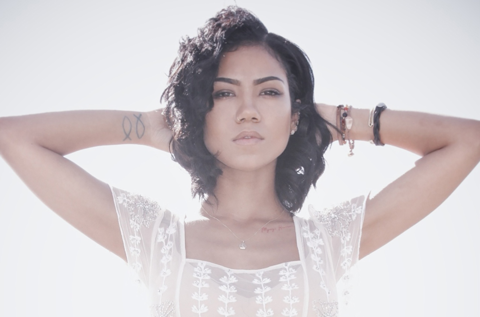 Jhene-Aiko-press-2016-billboard-1548.jpg