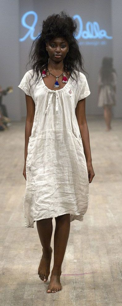 I am drooling over this linen dress...it just screams summer! Again, I think it would be pretty easy to make.  from here