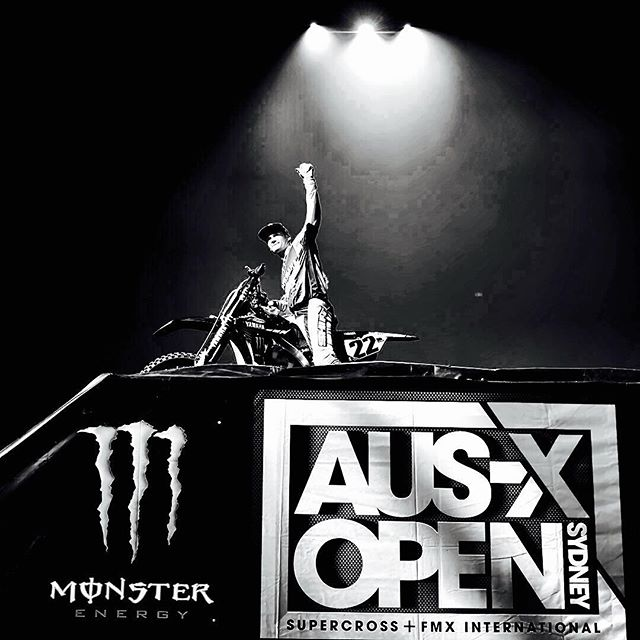 Happy Birthday Chad 👍🏻🎂 #happybirthday @crtwotwo @mrstwotwo @monsterenergy @ausxopen #aussie #legend #22 #sx #supercross #BNW www.jeffcrowphoto.com