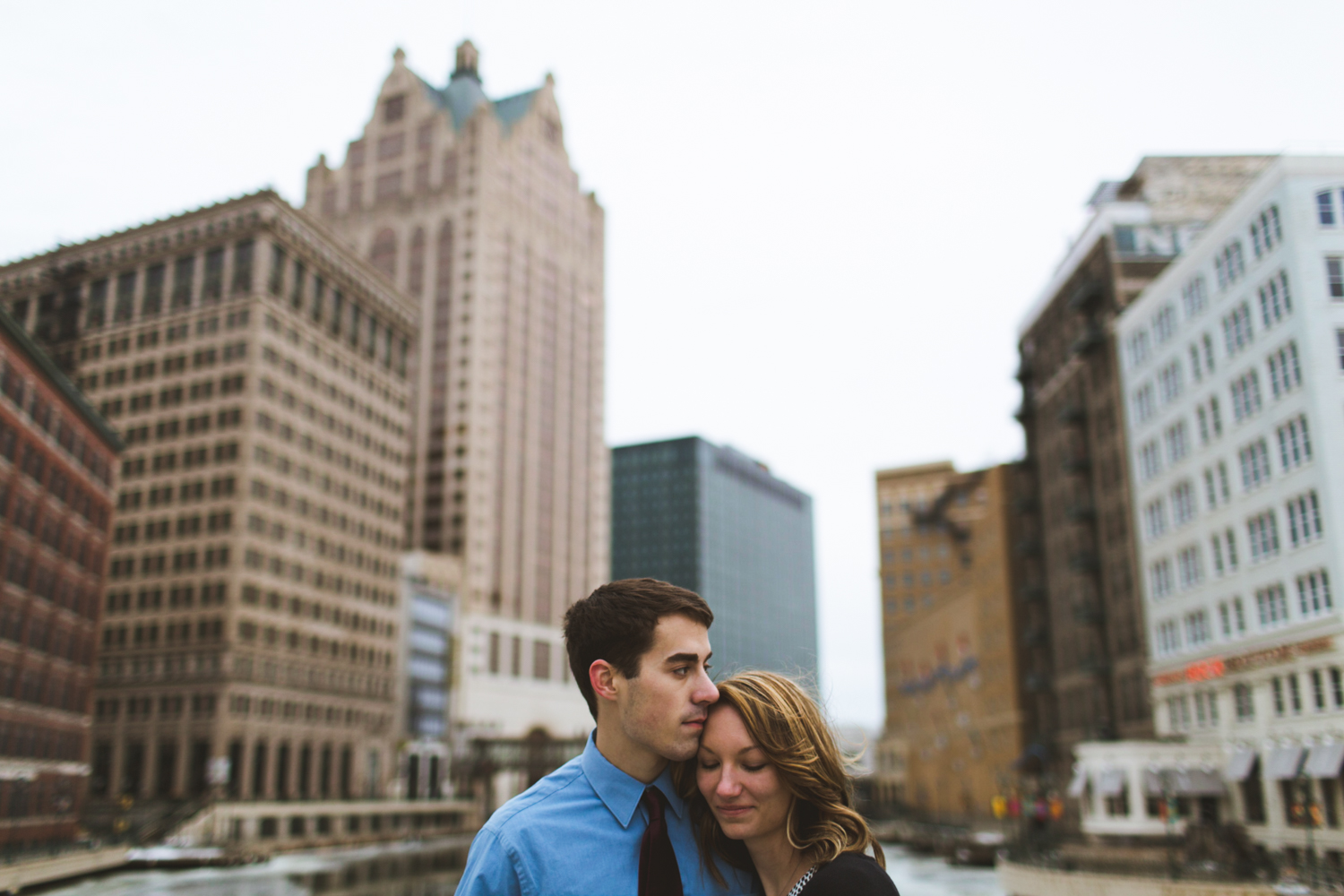 JOSH + ASHLEY |  MILWAUKEE, WI   ENGAGEMENT