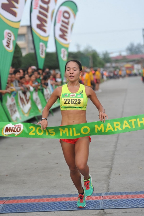 MILO Marathon Queen Mary Joy Tabal wins first place in the 39th National MILO Marathon in General Santos City. Photo credit:  MILO Philippines .