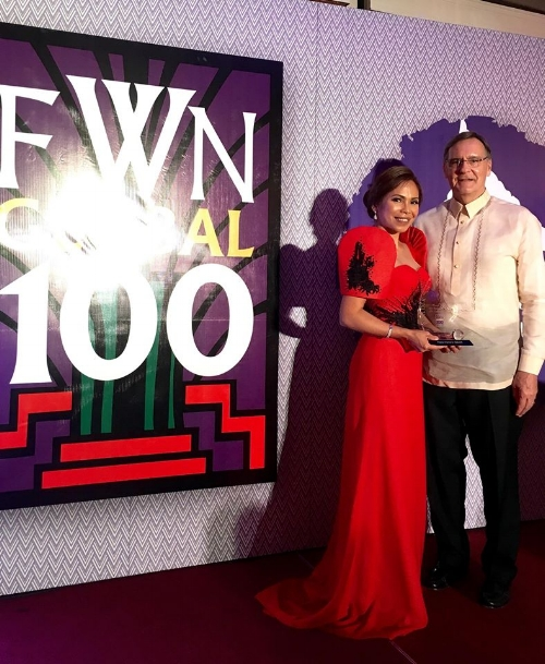 Bernadette Schlueter was honored with a Global FWN100™ '16 Award during the #FWNSummit2016 in August 2016.