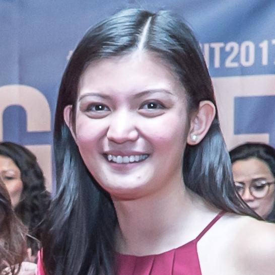<b>Adrianna Pineda<br>Production Assistant</b><br>Summit Fellow<br>Filipina Women's Network
