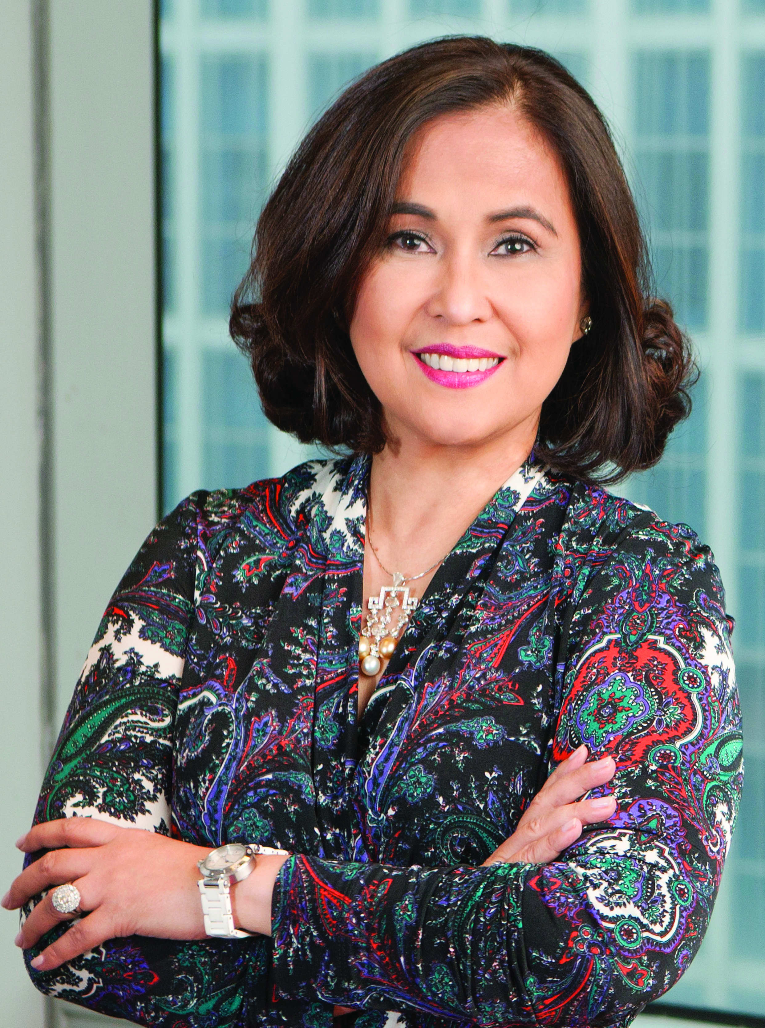 Nina D. Aguas (Global FWN100™ '13) is the newly appointed Executive Chairman of the Board of Trustees of Insular Life