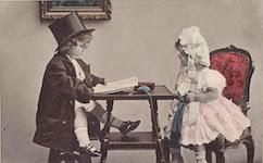 (Fun Vintage Photo of Children Reading, 1908)