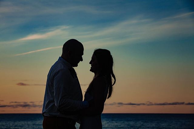 😍 all the heart eyes for this amazing sunset and for this gorgeous couple. Wedding season has me insanely busy.  But it's so good, and I can't wait to share much more of what we've been creating.