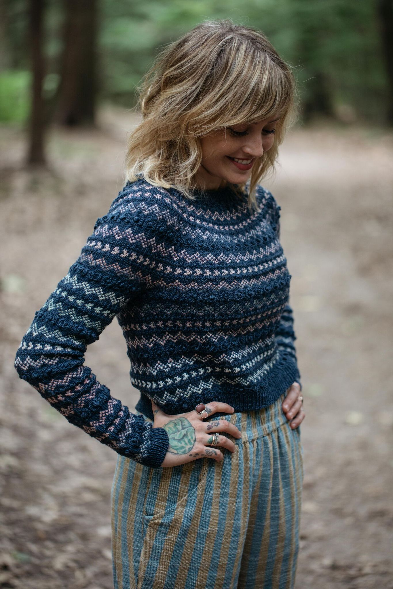Pullover: MC - In the Navy (Magpie Fibers), CC - Cold Comfort (Spincycle Yarns)