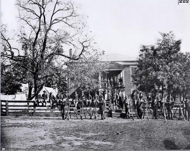 Union soldiers at Appomattox