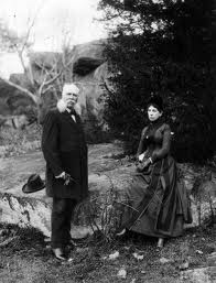 John bachelder and his wife on the battlefield at gettysburg.