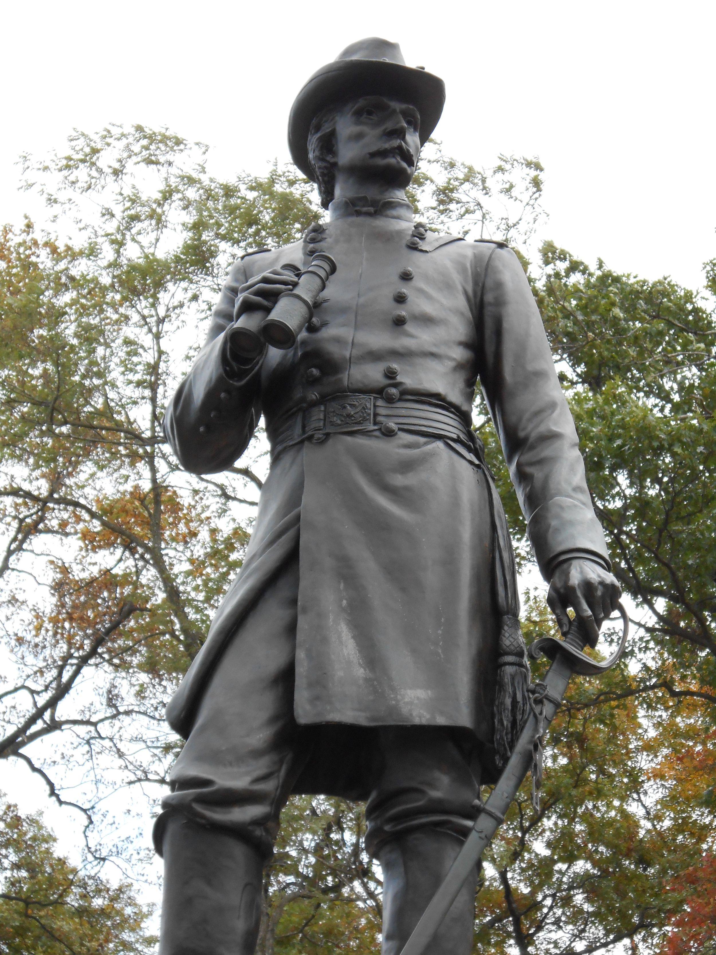 Statute of Warren on Little Round Top (photo by author)