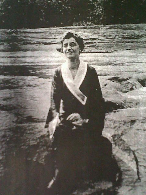 Edith Tench