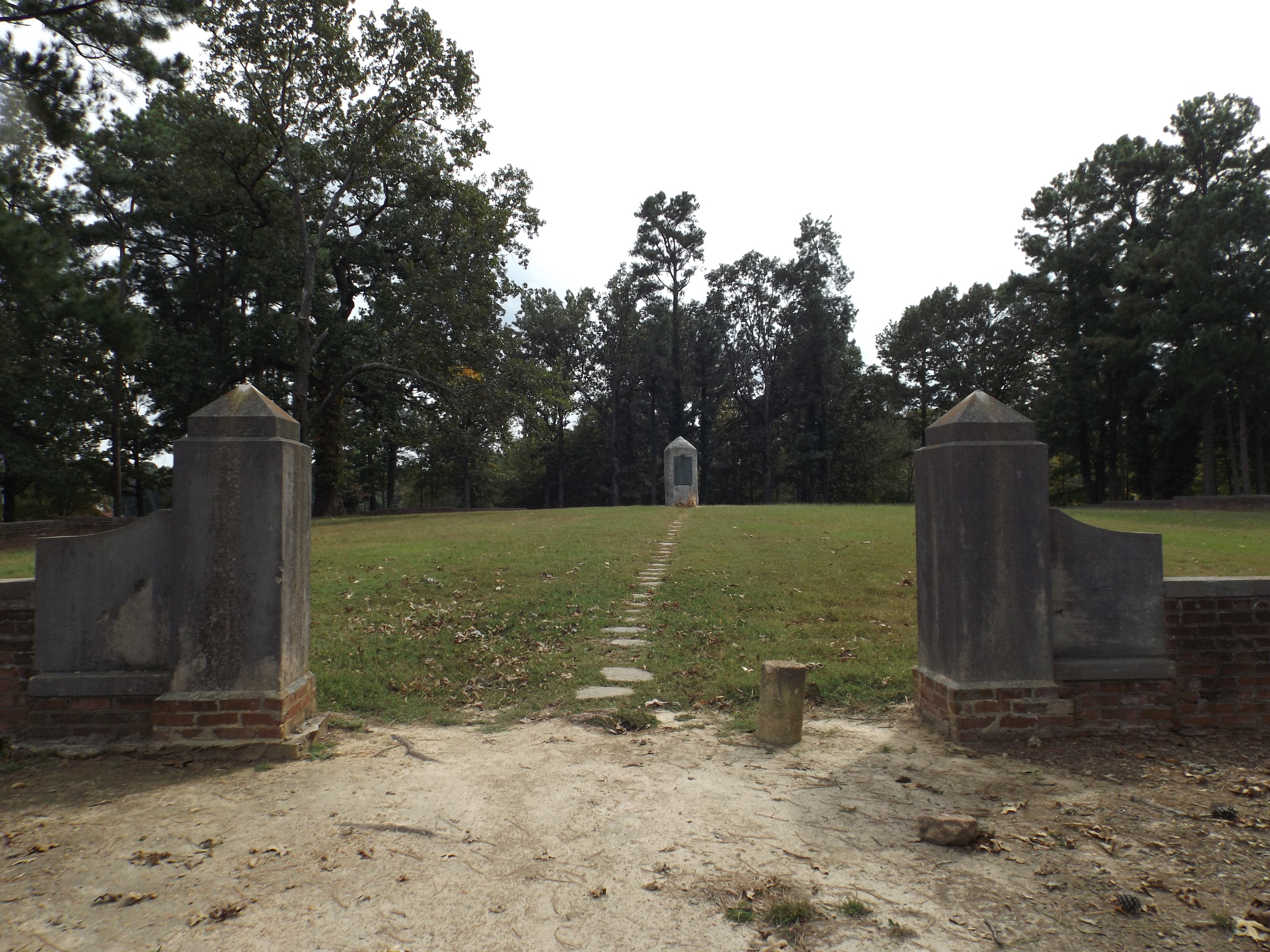 Confederate cemetery at University of Mississippi.