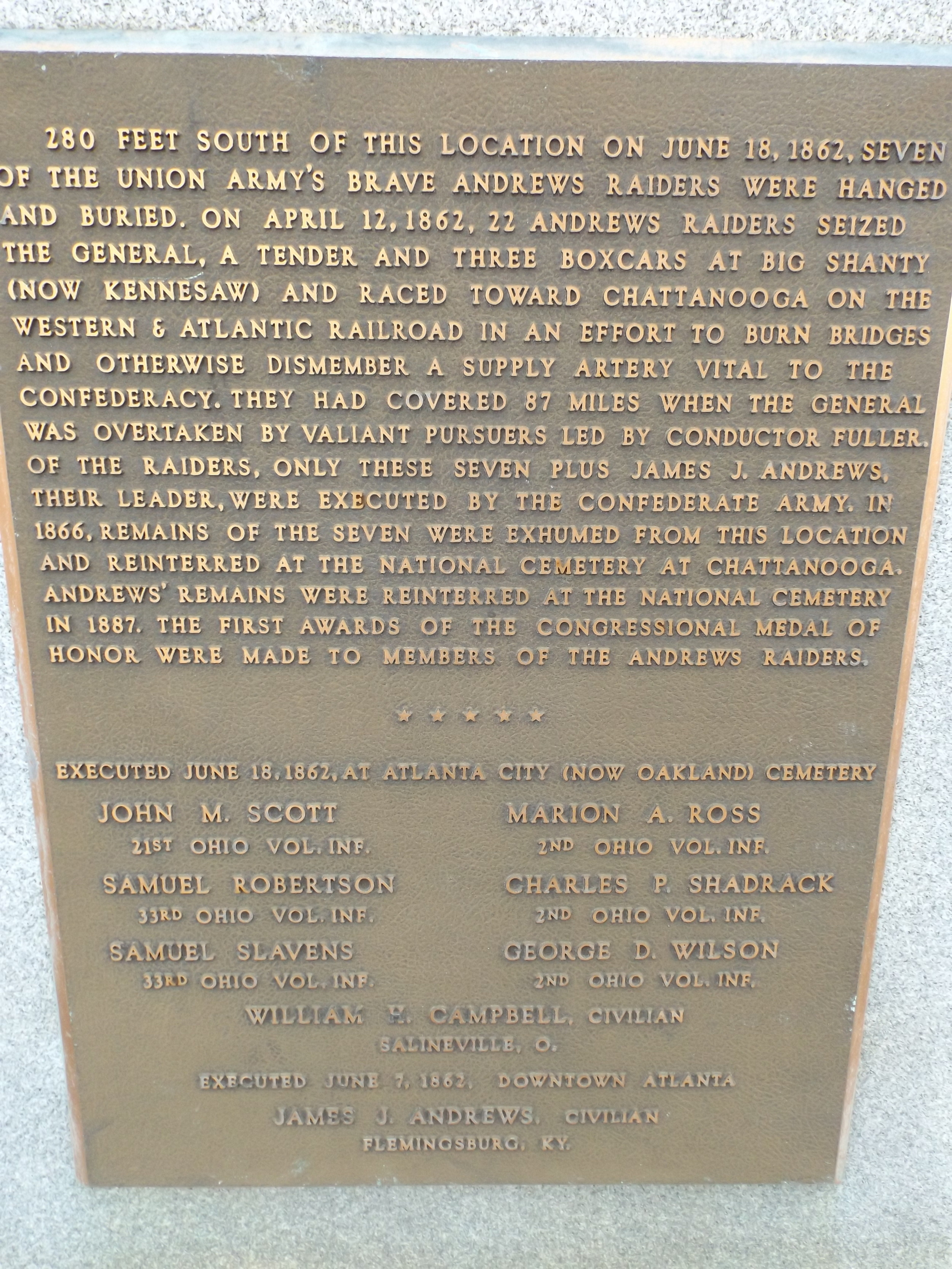 Close-up on the plaque of the Oakland Cemetery monument.