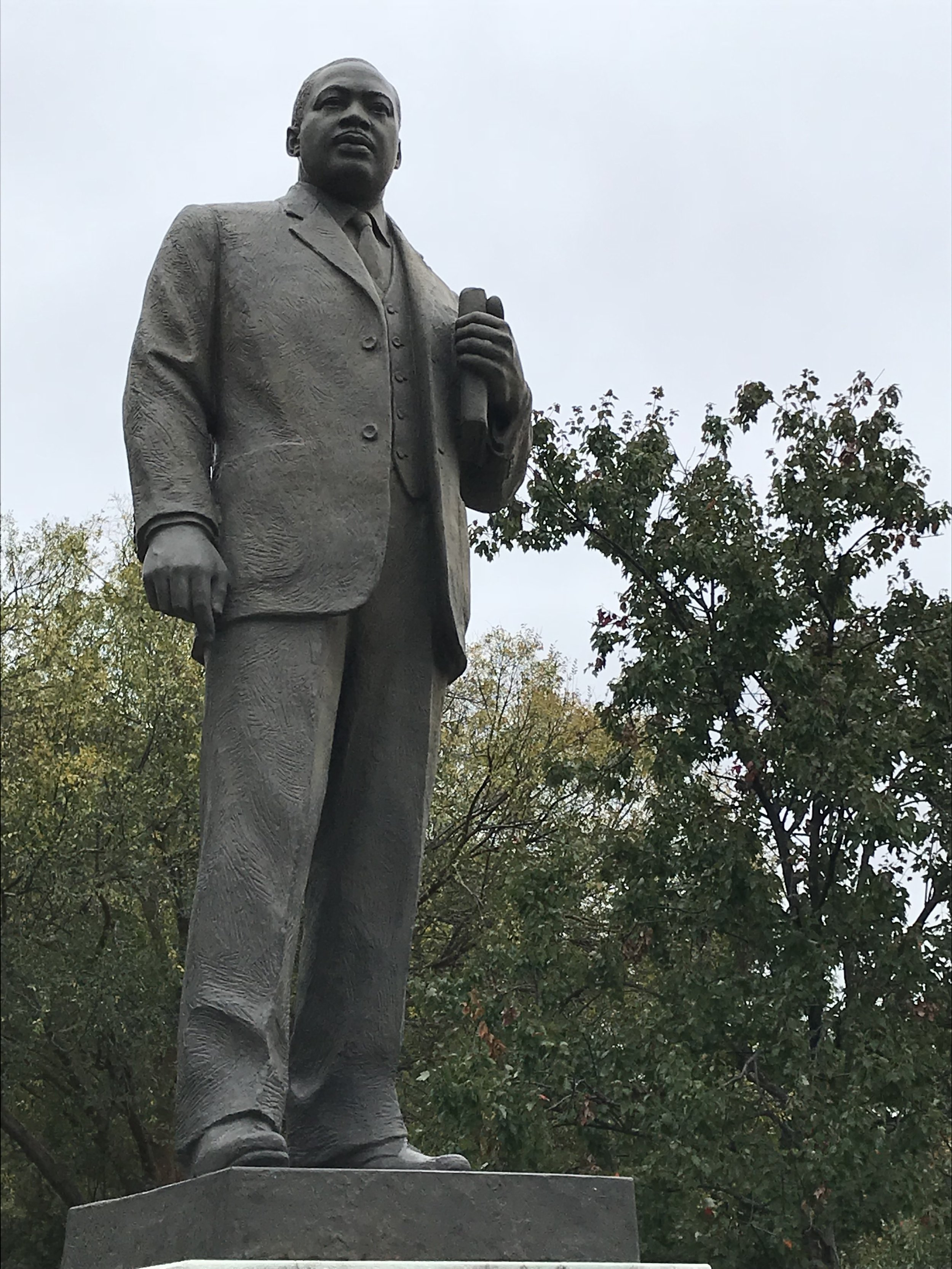 Monument to Martin Luther King, Jr. in Kelly Ingram Park.  Photo by author.