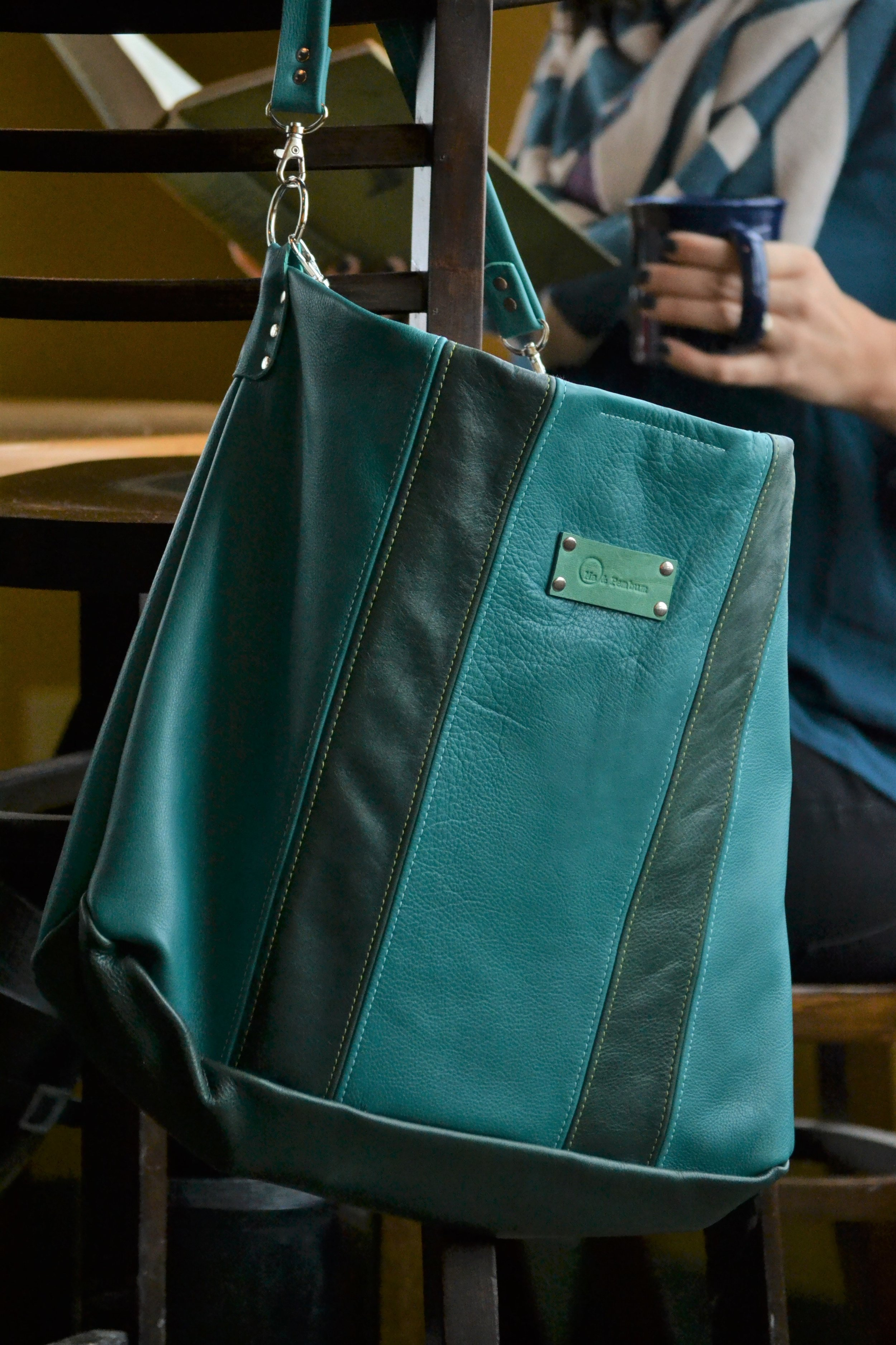 The Carryall in jade and forest