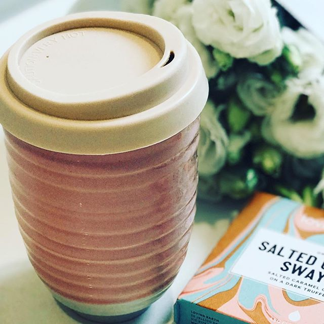 Reducing plastic use is so important for the future. One way to do this is to take your own reusable bags to shop and also have your own takeaway cup.  Treating myself today to this gorgeous new ceramic cup from @boatshedmarket and salted caramel chocolate from Loving Earth.  No reason for reusable to not be pretty!