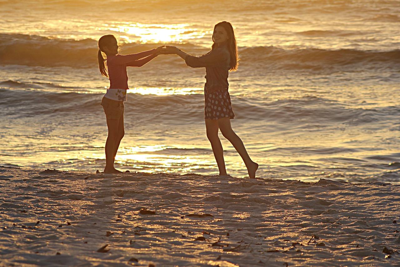 beach-1905766_1280.jpg