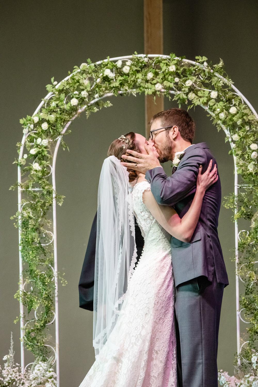 thejourney-tucson-wedding-kiss.jpg