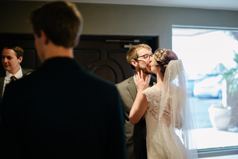 tucsonwedding-kiss1.jpg