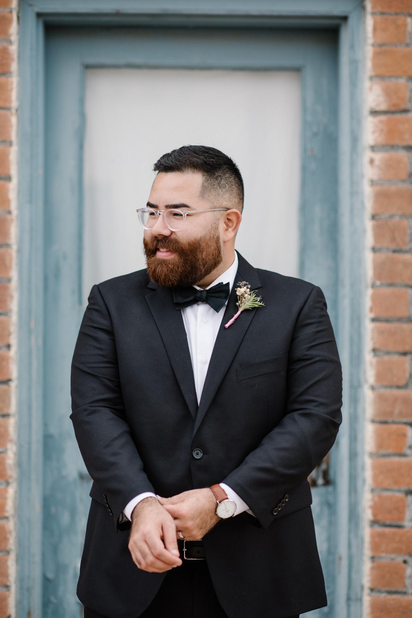 TucsonMuseumofArt_wedding_groom.jpg