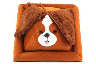 Peeramid-Bookrest-Dog_24006-l-500x333.jpg