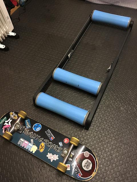 The TriNerd indoor bike training rollers 1.jpg