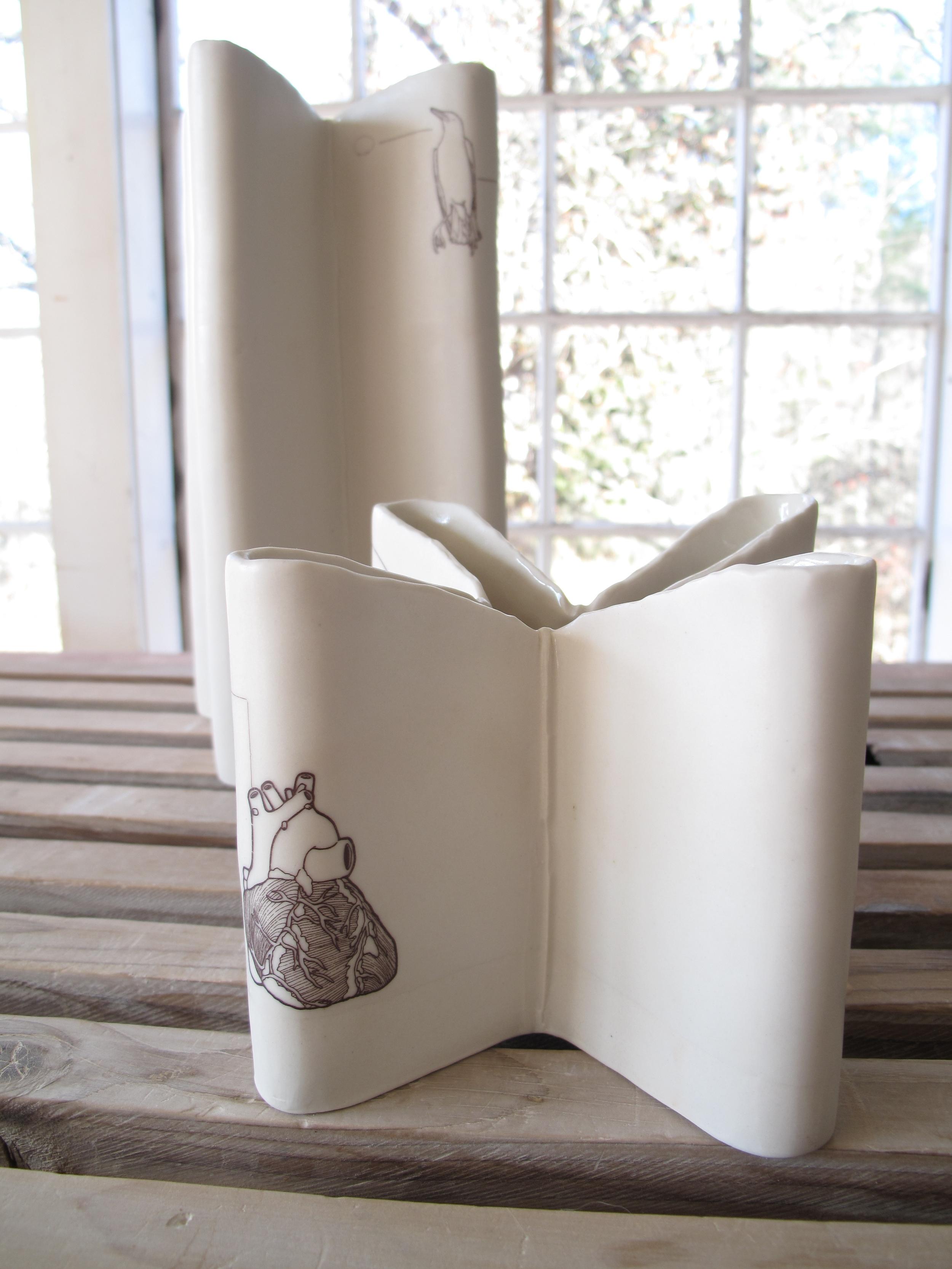 Plus Vase Breve with Heart (6 x 6 x 6)