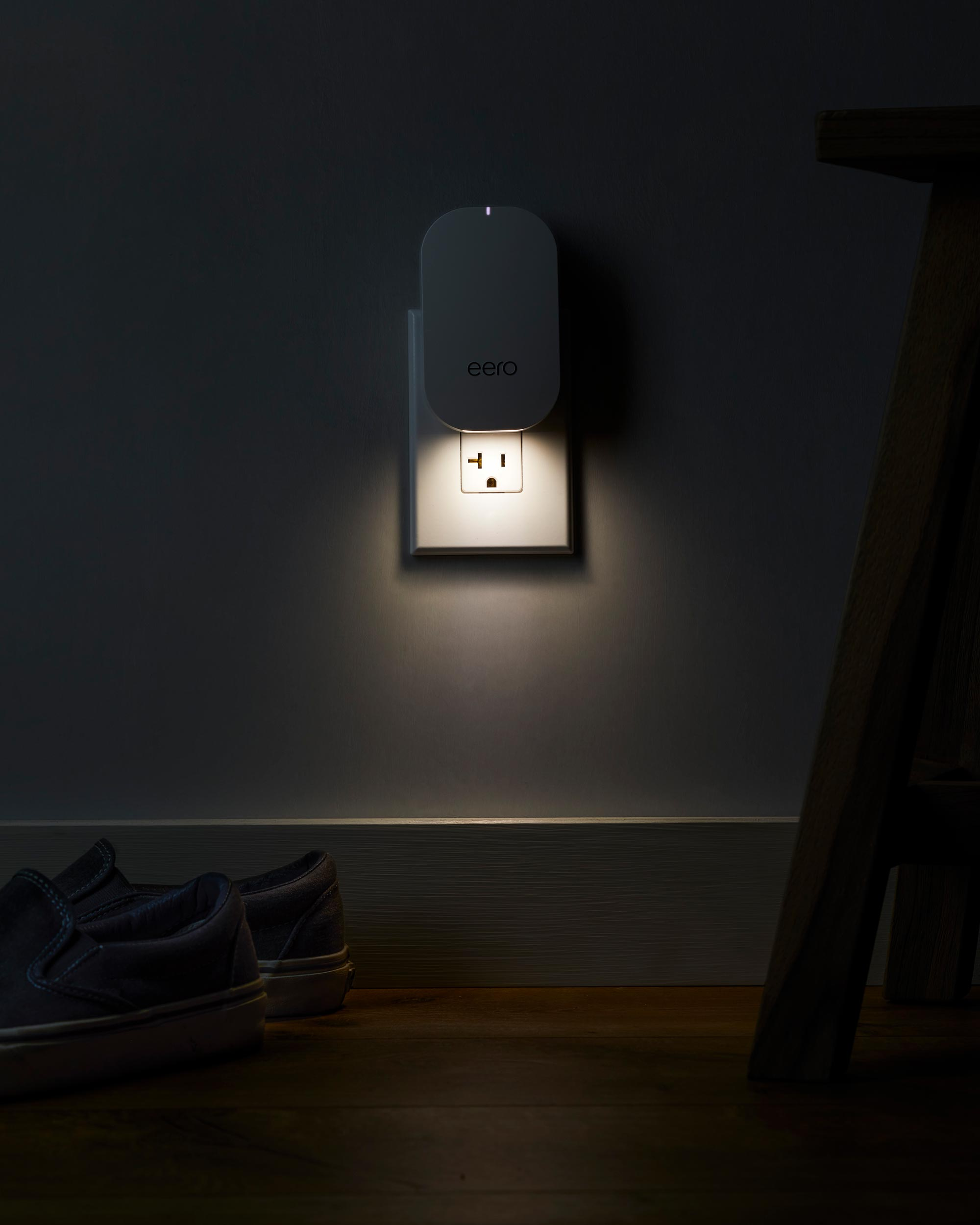 eero_beacon_glow_dark.jpg