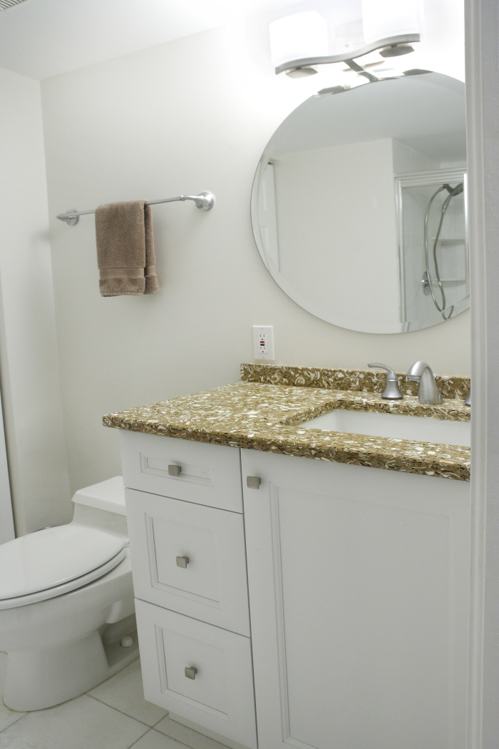 interior-decorating-by-captiva-design-bridget-king-Guest-Bathroom.jpg