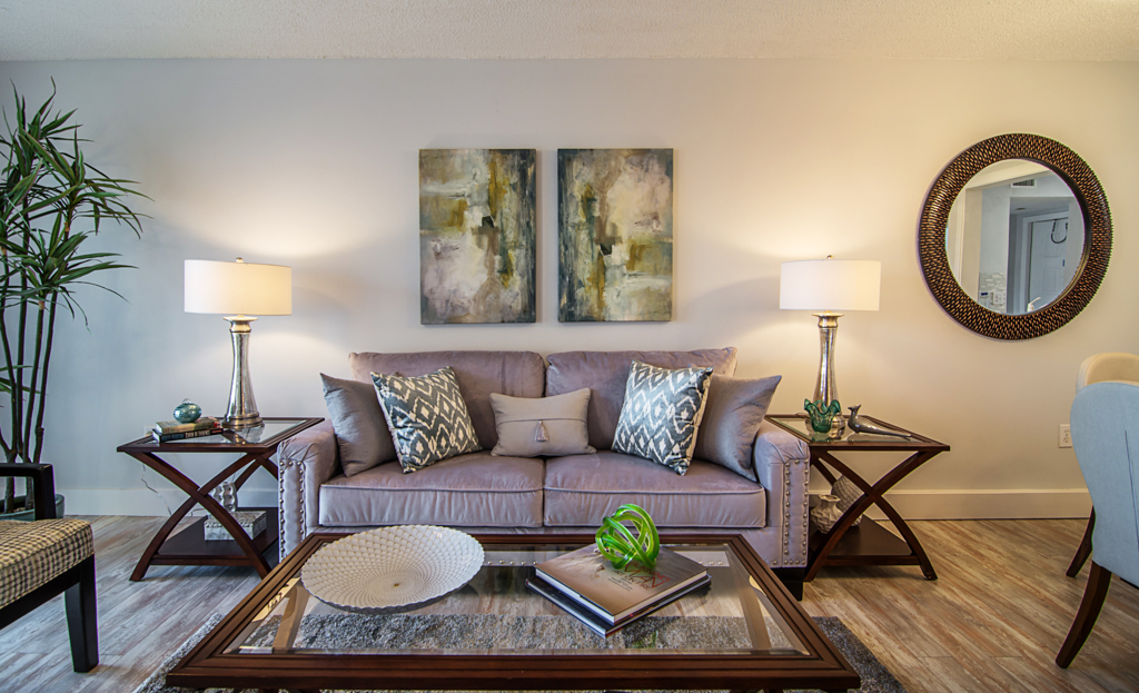florida-decorating-services-model-home-gallery-examples-b-5(2).jpg