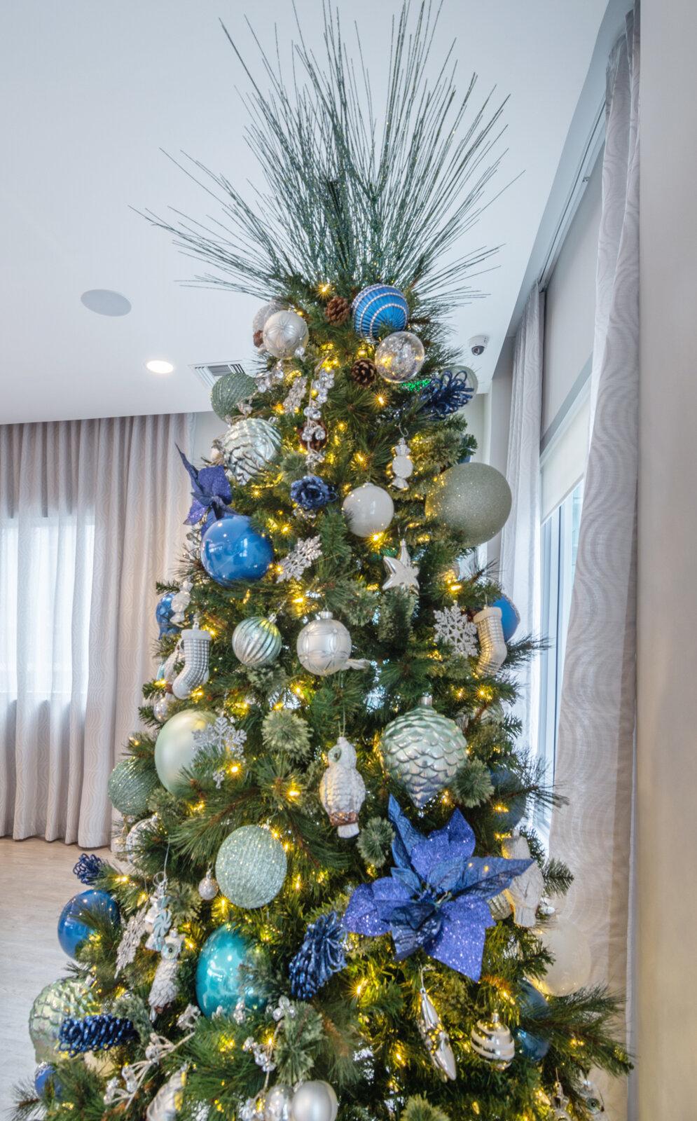 Holiday Decor Captiva Design