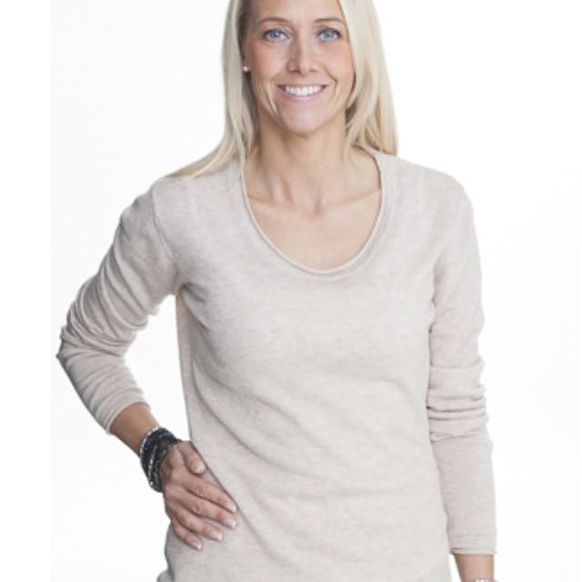 Summer cashmere sweaters 😍 #cashmere #sweden #vasastan #birkastan #sweater #kashmir #tröja
