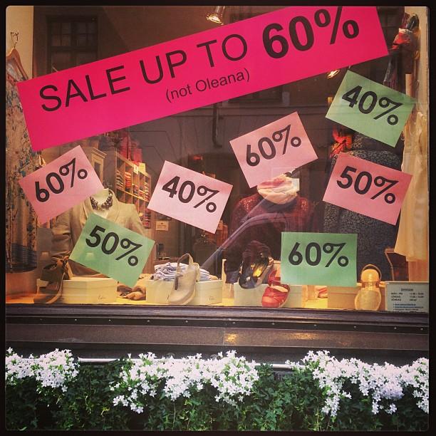 Utförsäljningen fortsätter med upp till 60% rabatt på #heartoflovikka #holebrooksweden #timo #calouclogs #cocoroselondon mfl. Till hösten säljs endast #oleana och #rosemunde i butiken. @brandedclothes @bibliotekstan @rosemundecph @damernasvarld @matstugan @plazakvinna