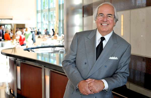 Frank-Abagnale-Photo--2-.jpg