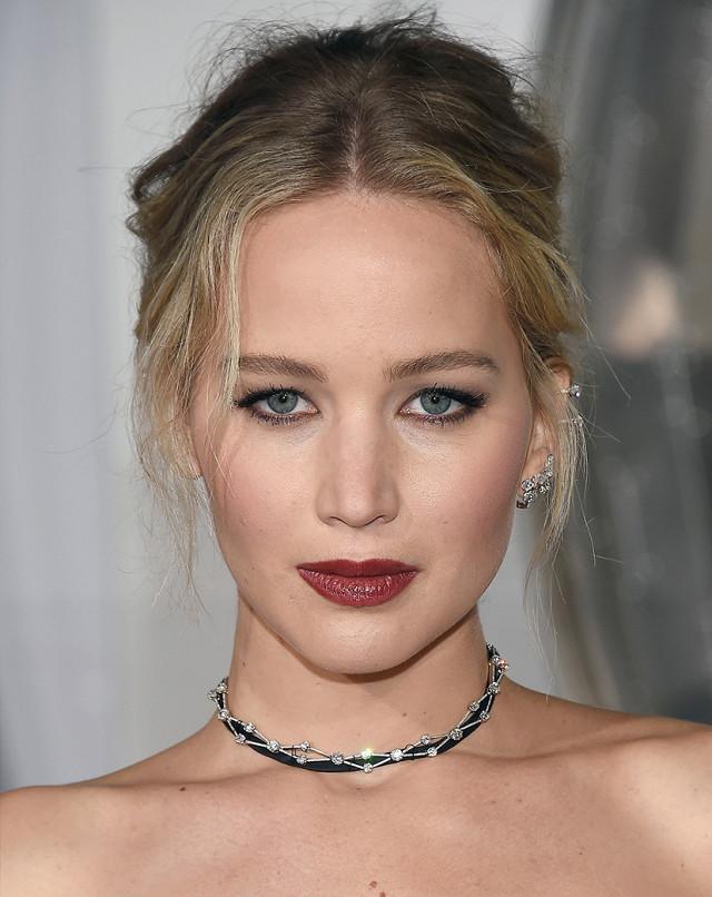 Genius Evening Makeup Ideas From 4 Former Oscar Winners  (Byrdie Australia)