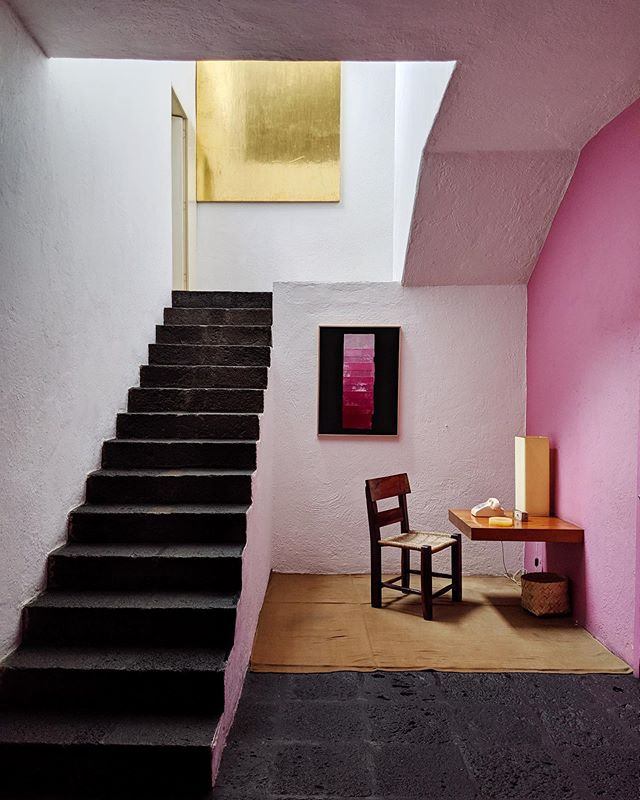 One of the highlights of my trip to Mexico City 🇲🇽 visiting Casa Luis Barragán. Built in 1947, named UNESCO World Heritage site in 2004 🏠