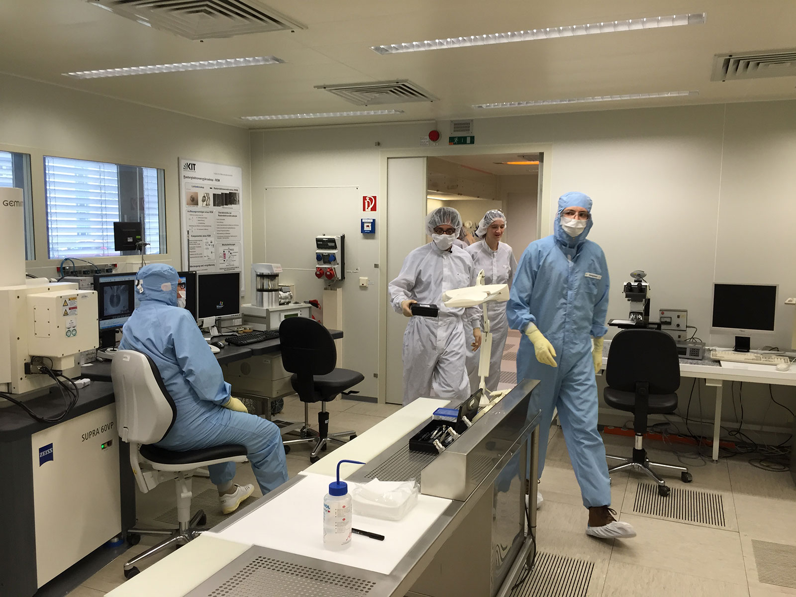 Behind The Scenes - Using Nanotechnology to make art