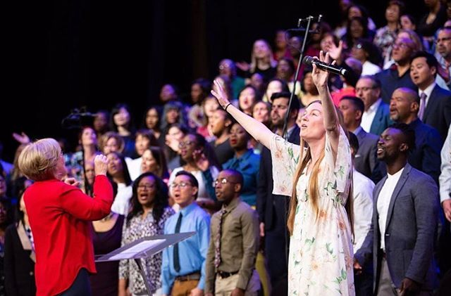 It's taken me a minute, but I'm now able to reflect on this past Sunday at @thebrooklyntabernacle with the amazing @bt_choir. I still can't believe the Lord blessed Ryan and I with this opportunity to worship with this special group of people. I grew up listening to their albums and to hear the choir and the congregation singing Amen.. it was like an ocean of voices and hearts. No words to describe it. All I can do is thank the Lord!! #thebrooklyntabernacle #brooklyntabernaclechoir #nyc #peopleandsongs #rexandchar