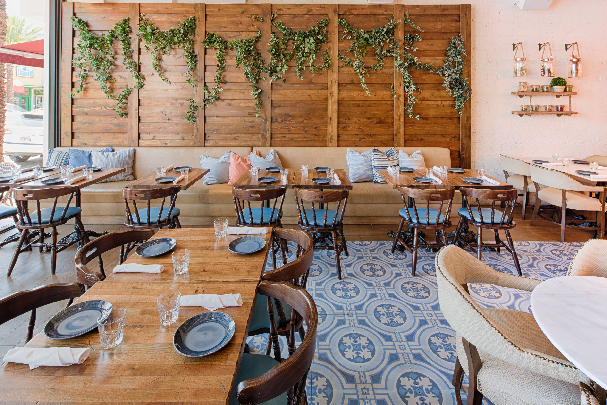 05_1511_2017-03-21a_Rustiko Restaurant 9476 Harding_HDR__PSD.jpg