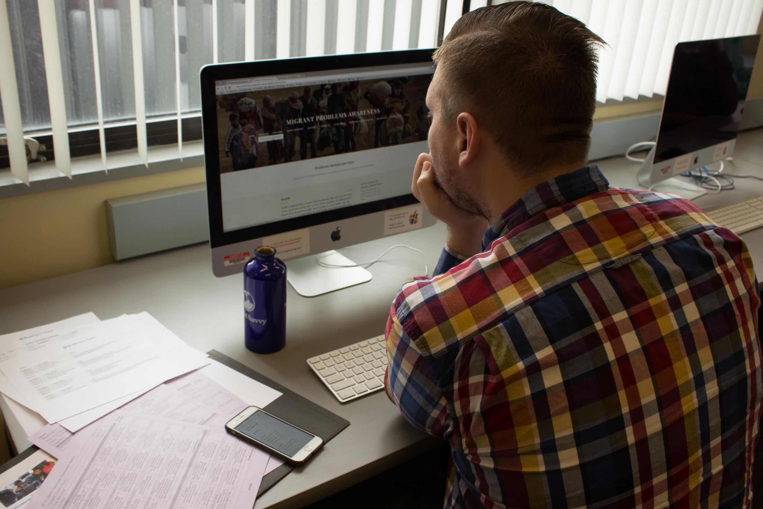 man judging website.jpg