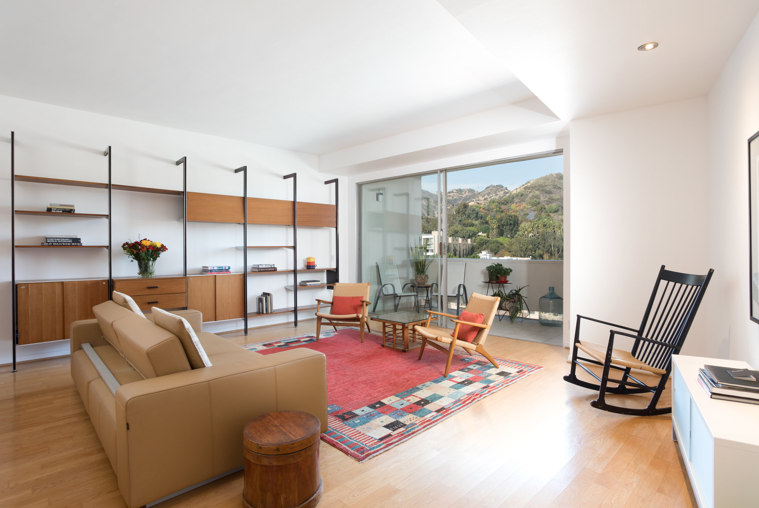 7250 Franklin Ave. #1105  $675,000 | SOLD |  FranklinTowers1105.com