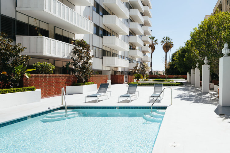 7135 Hollywood Blvd. #209 $450,000 | SOLD