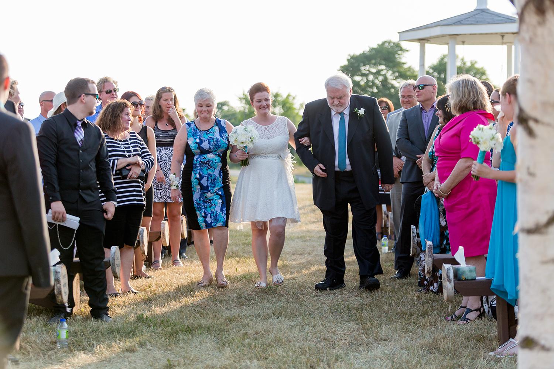 Wedding Photographer Ottawa Canaanlea Farm Wedding 11.jpg