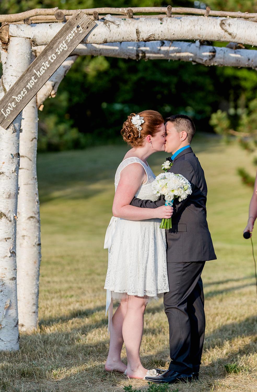 Wedding Photographer Ottawa Canaanlea Farm Wedding 15.jpg