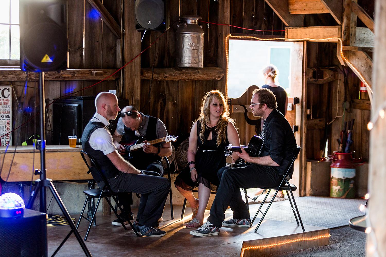 Wedding Photographer Ottawa Canaanlea Farm Wedding 26.jpg