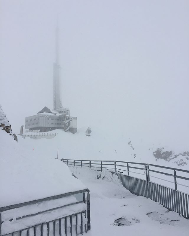 2877 meters up