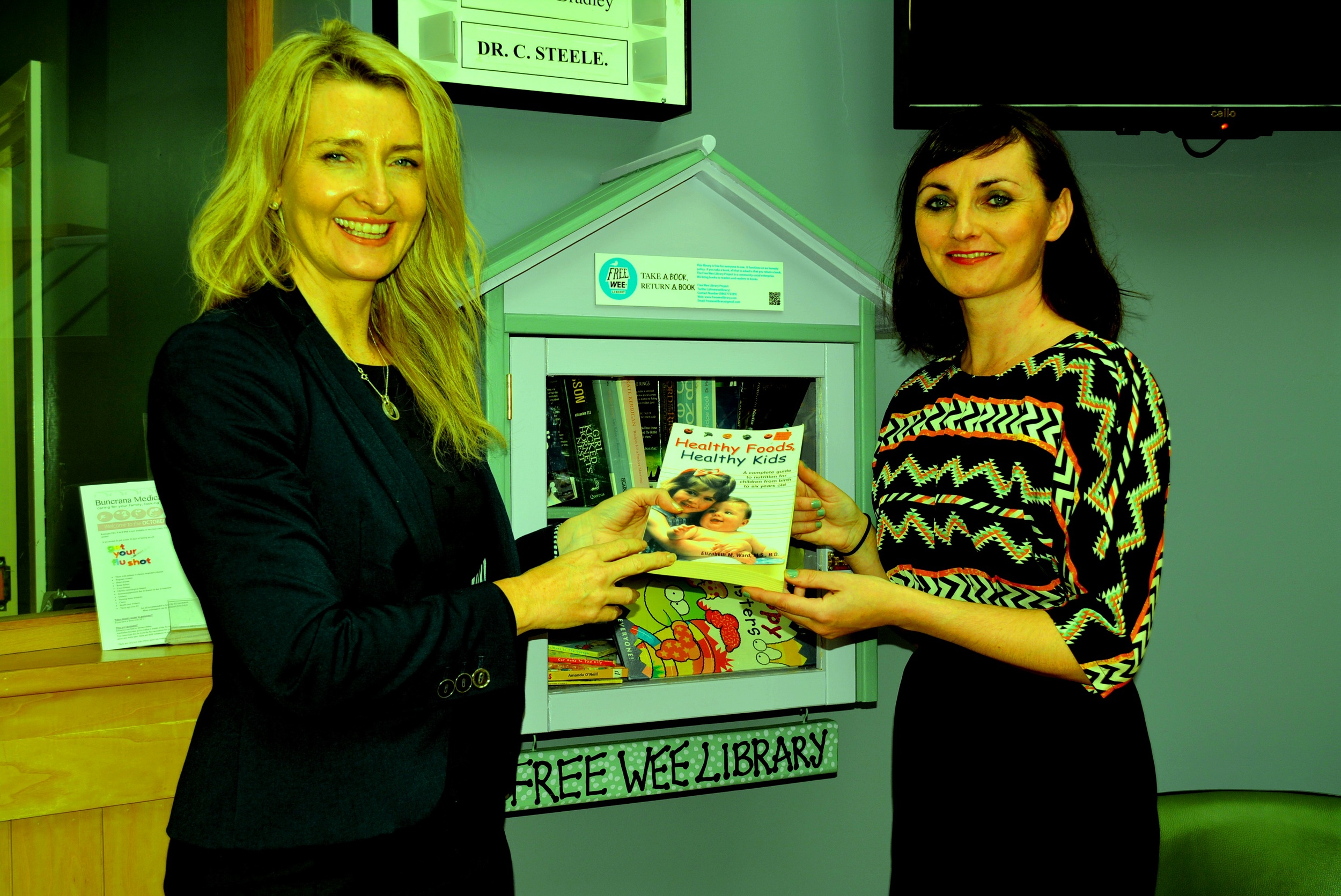 Dr Ciara Steele, Buncrana Medical Centre (left) and Geraldine Timlin, Free Wee Library Project (24/10/2014)