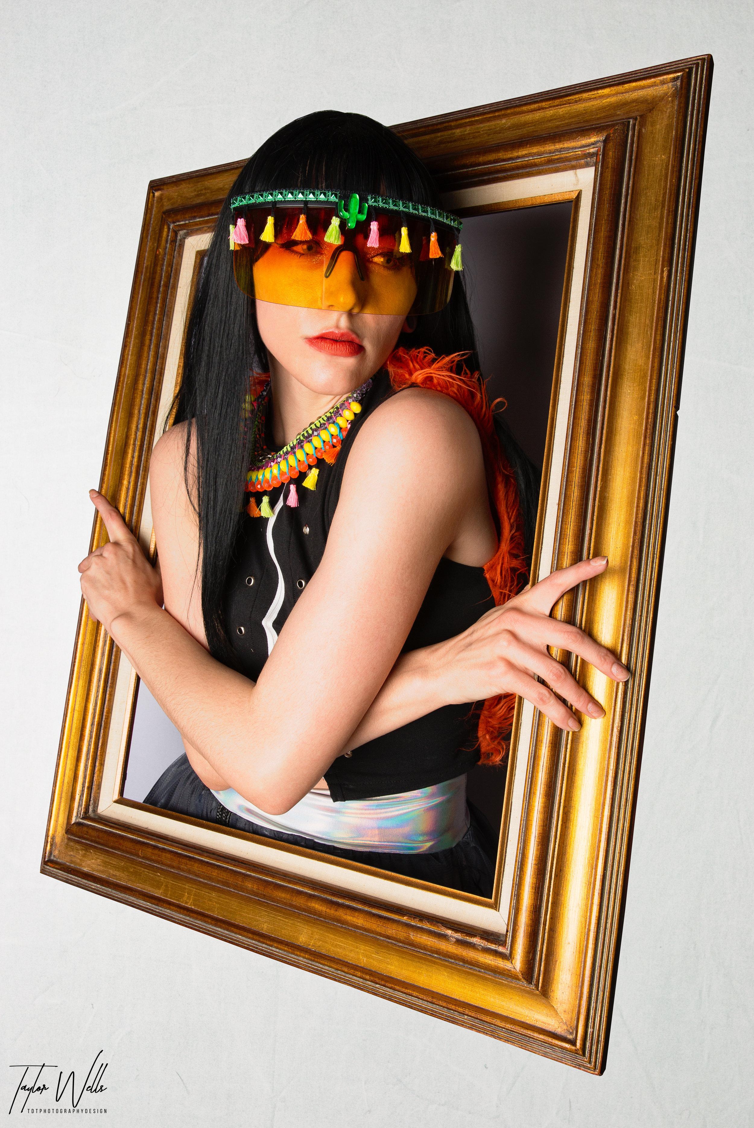 SpectraCOvibesV3_AmandaBrookeStyles_iLitDesigns_KatDogCouture_TDTphotographyDesign_FloatingFrame0-34.jpg
