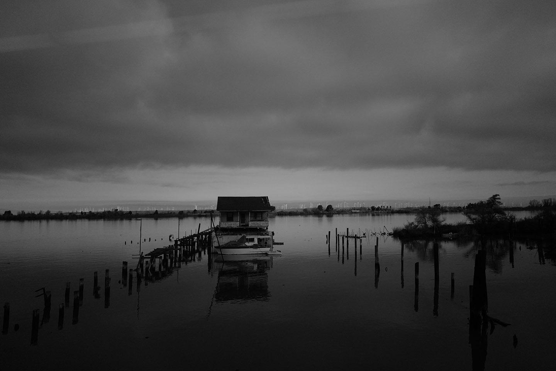 BoatHouseWindmillsDistant722.jpg
