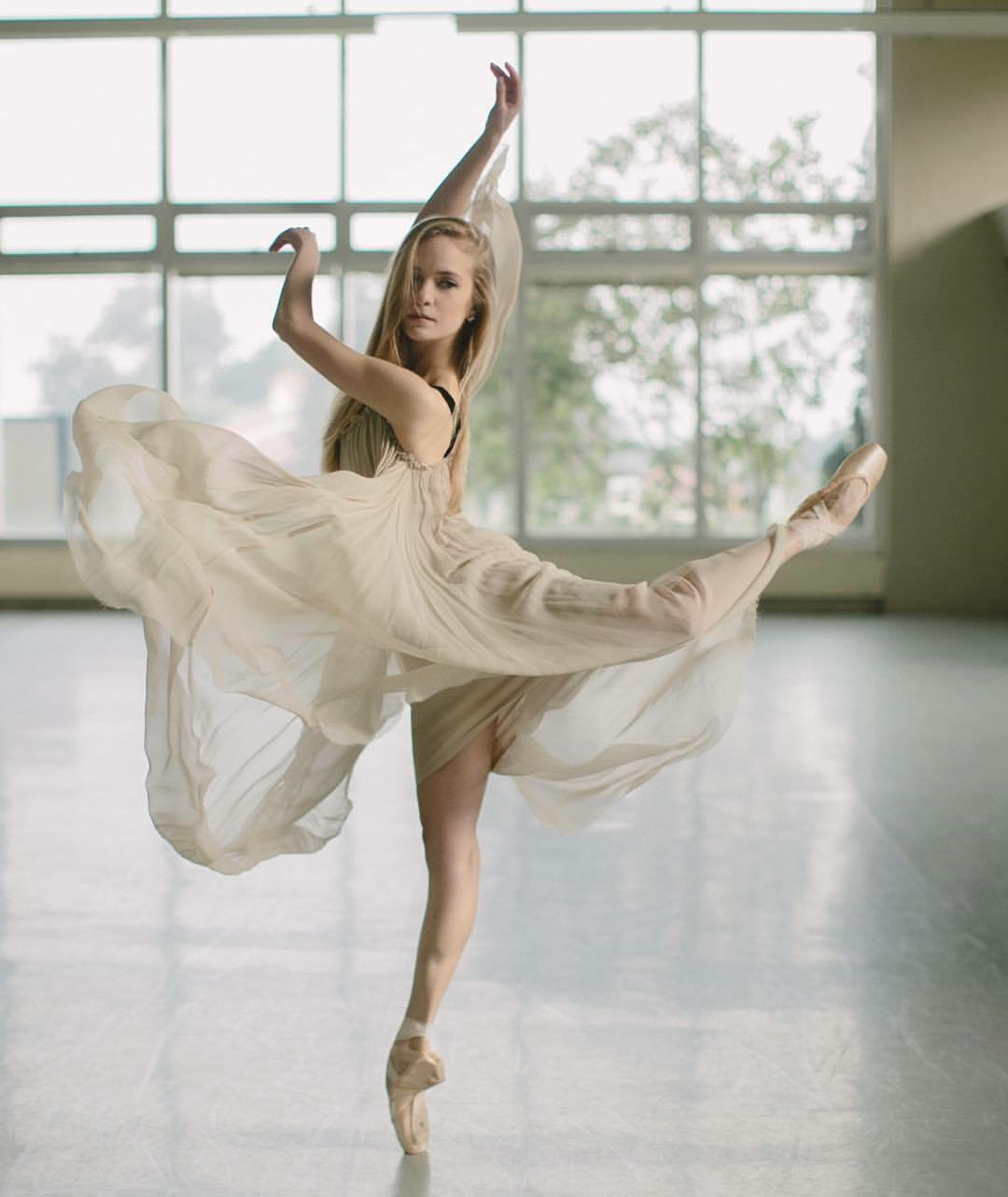 sasha de Sola of san francisco ballet. photographed by karolina kuras